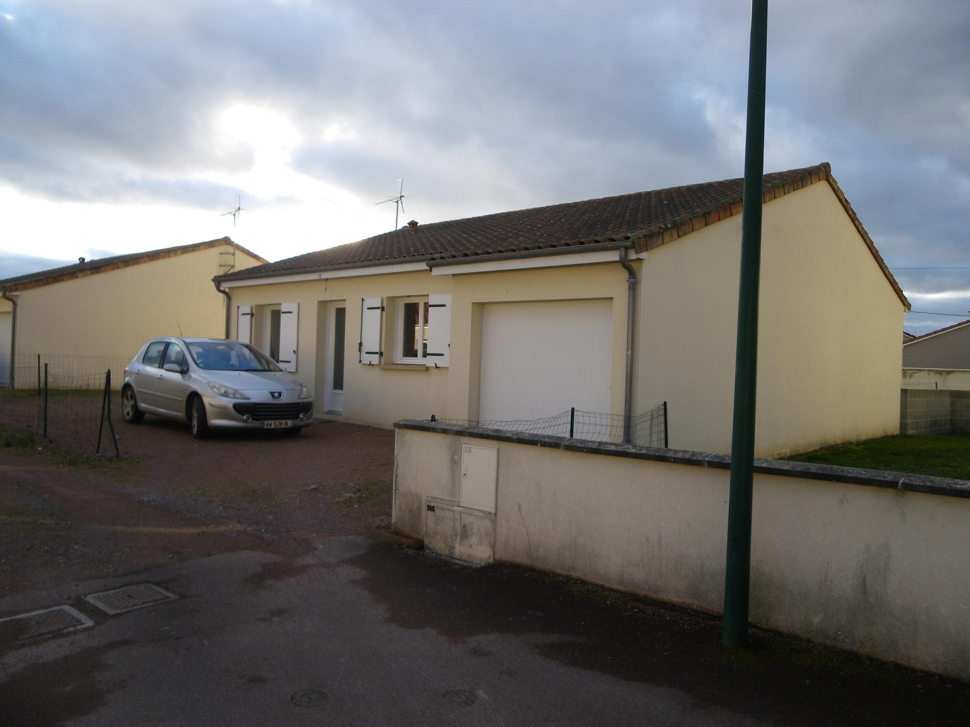 Pavillon De Plain-pied à louer Mauzé-Thouarsais (79100) - AXE PRO Ouest