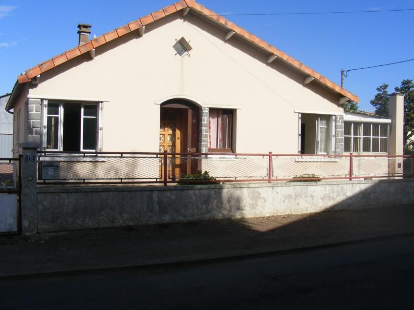Image pour Vente Pavillon de plain-pied a Saint Léger de Montbrun 116600 euro