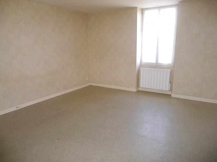Image pour Location Appartement a Argenton l'Eglise 304 euro