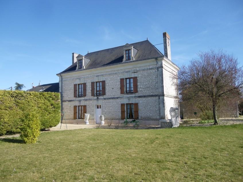 Image pour Vente Maison de Maître a La Roche Rigault 282150 euro