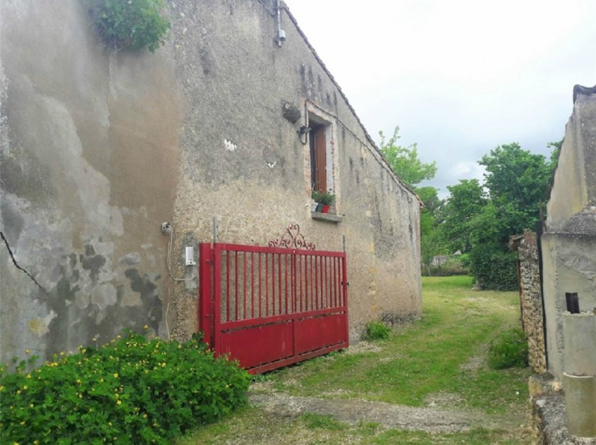 Image pour Location Maison a SAINT JACQUES DE THOUARS 413 euro