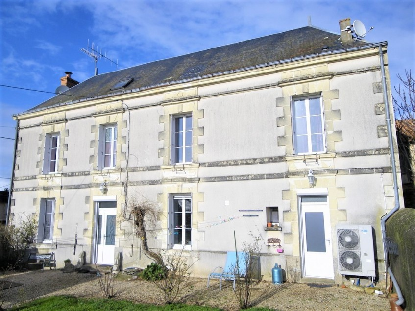 Image pour Vente Maison de Maître a MAUZE THOUARSAIS 130000 euro