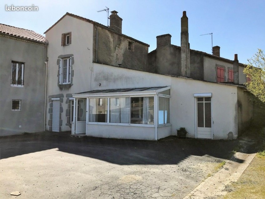 Image pour Vente Maison a FAYE L'ABBESSE 35000 euro