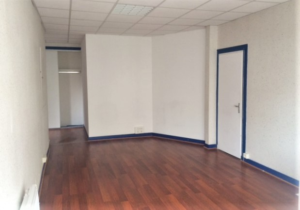 Image pour Location LOCAL COMMERCIAL a Thouars 208 euro