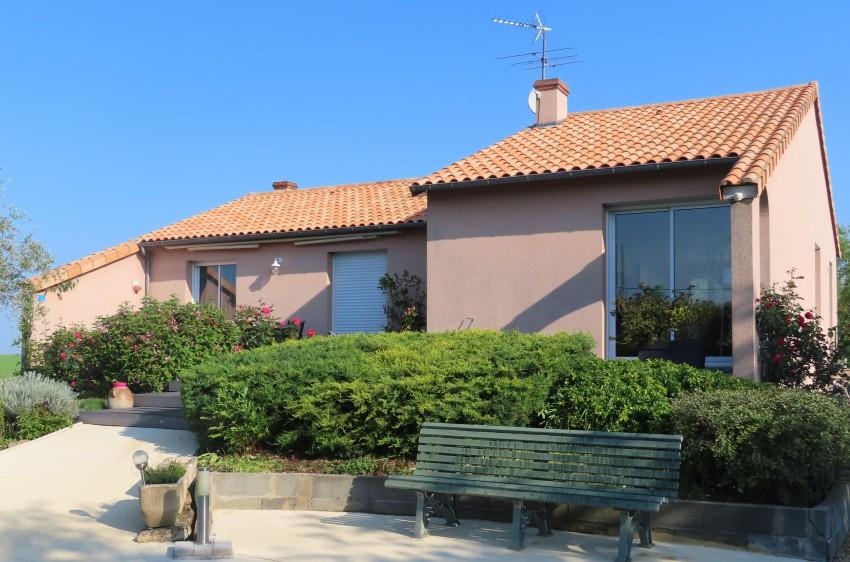 Image pour Vente Maison a Saint Léger de Montbrun 205500 euro