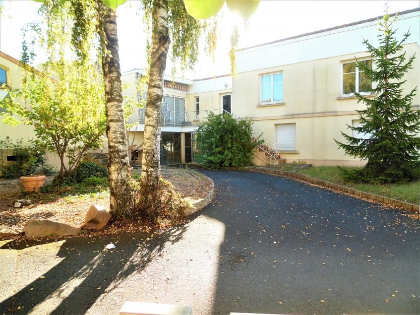 Image pour Vente ensemble immobilier a Sainte Radegonde 336000 euro