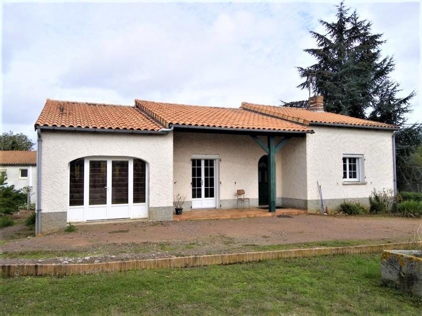 vignette pour Vente Maison habitable de plain pied a Saint Jean de Thouars 115000 euro