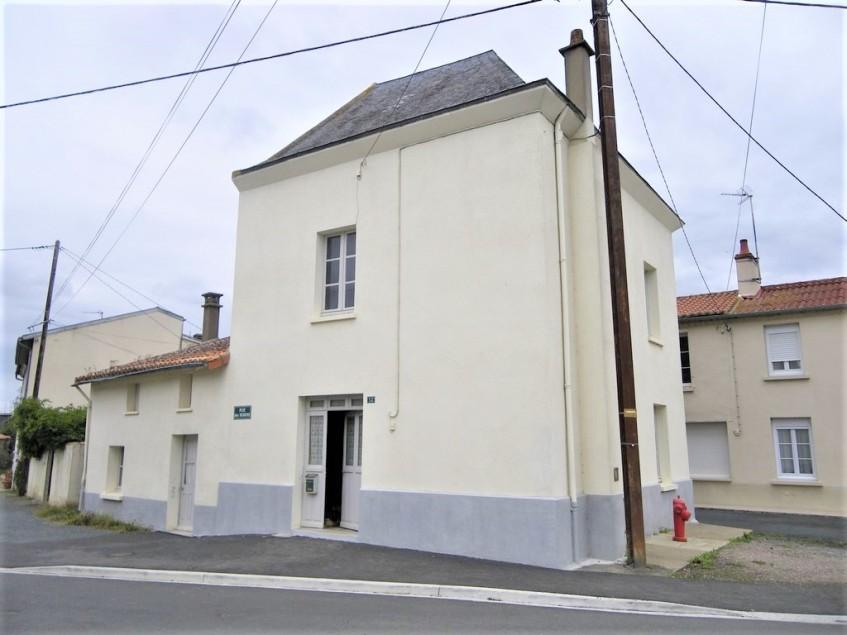 vignette pour Vente Maison a ARGENTONNAY 18000 euro